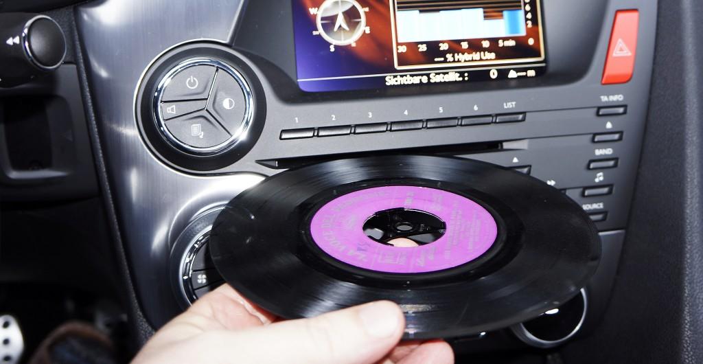 Schallplatte im Auto